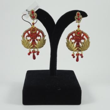 pendiente redondo dorado con coral machacaco morlote hispania flamenco