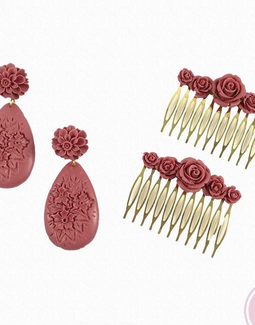 Pendientes y peinas flamencas fabricados con resina de la casa florsali. Color frambuesa.