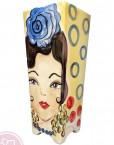 Florero de cerámica pintado a mano por la artista cordobesa Catalina Alcaide.