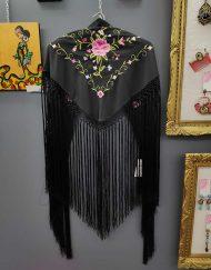 tienda manton estampado negro rosa