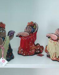 tres flamencas con flecos. Ceramica de antonio Ruano