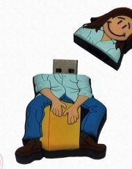 USB de 8GB con forma de muñeco flamenco tocando la caja. Ahora en oferta a un 50%.