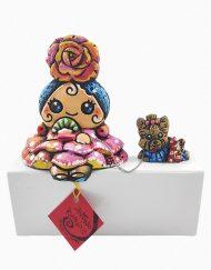 Figura de una gitana con Yorsai. Esta pieza de cerámica es obra original del artista gaditano Antonio Ruano.