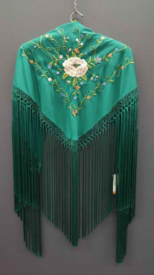 manton verde bordado