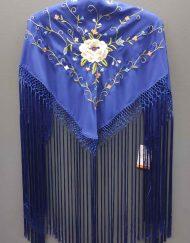 manton azulino bordado